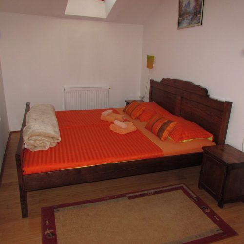 Narančasta soba